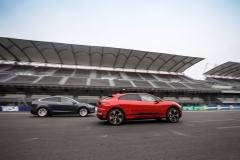 Jaguar_I-PACE_Tesla_Model_X_electric_motor_news_06