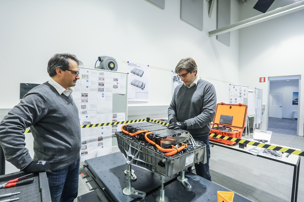 bmw_technology_innovation_los_angeles_electric_motor_news_16