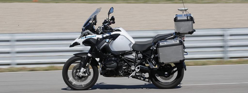 bmw_motorrad_guida_autonoma_02