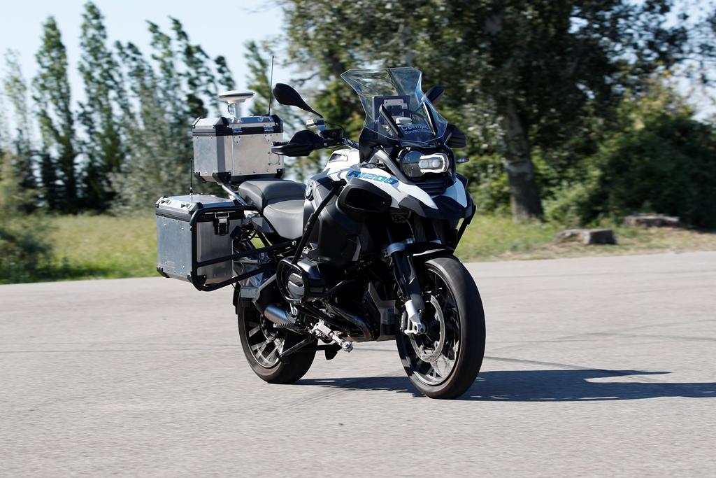 bmw_motorrad_guida_autonoma_03