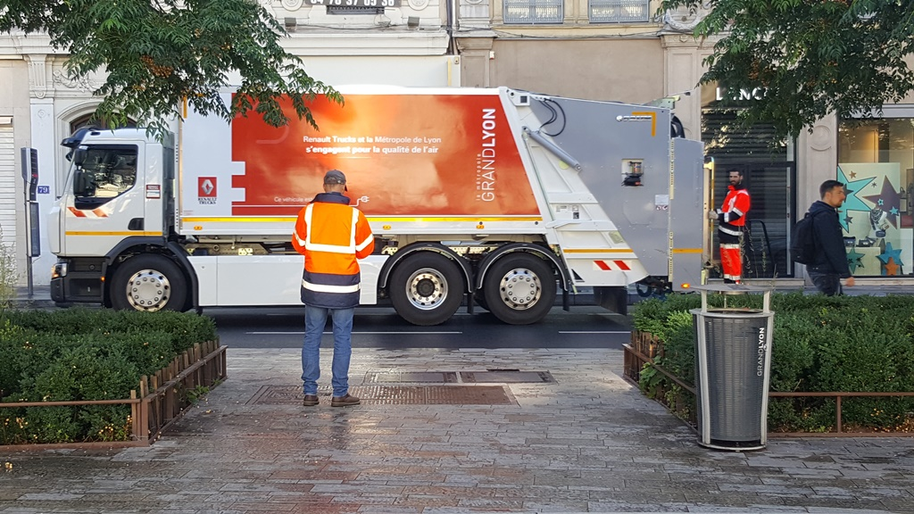renault_trucks_D-Wide_Z.E_electric_mo3or_news_01