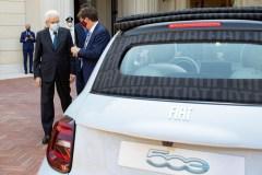 """Il Presidente della Repubblica Sergio Mattarella con John Elkann, Presidente di Fiat Chrysler Automobiles,in occasione della presentazione della nuova vettura """"Fiat 500"""" elettrica (foto di Francesco Ammendola - Ufficio per la Stampa e la Comunicazione della Presidenza della Repubblica)"""
