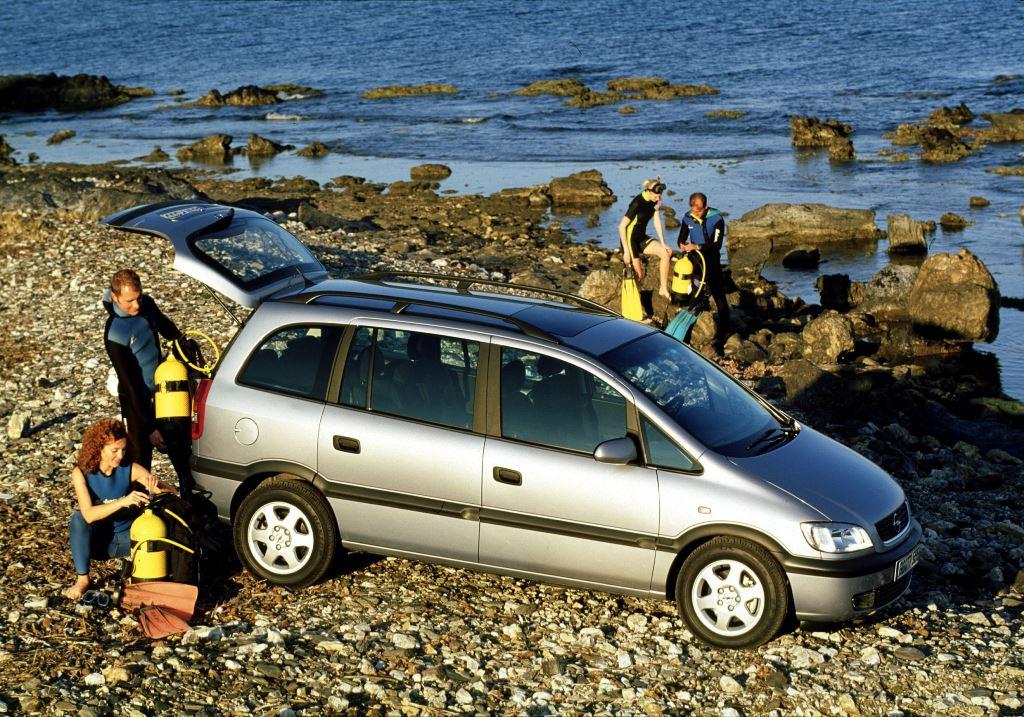 Opel-Zafira-49231