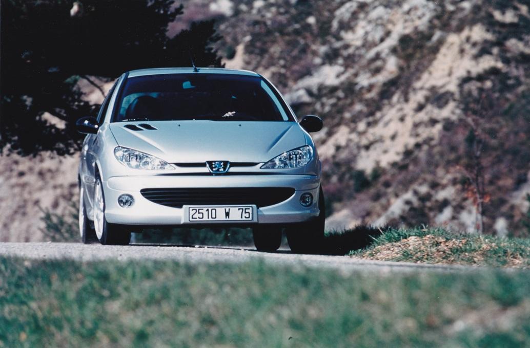 PEUGEOT-206-GT-CONCEPITA-PER-IL-WRC-4