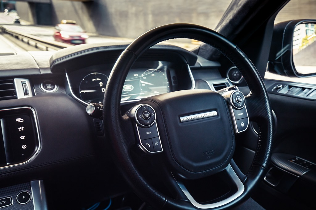 range_rover_self_driving_coventry_electric_motor_news_05