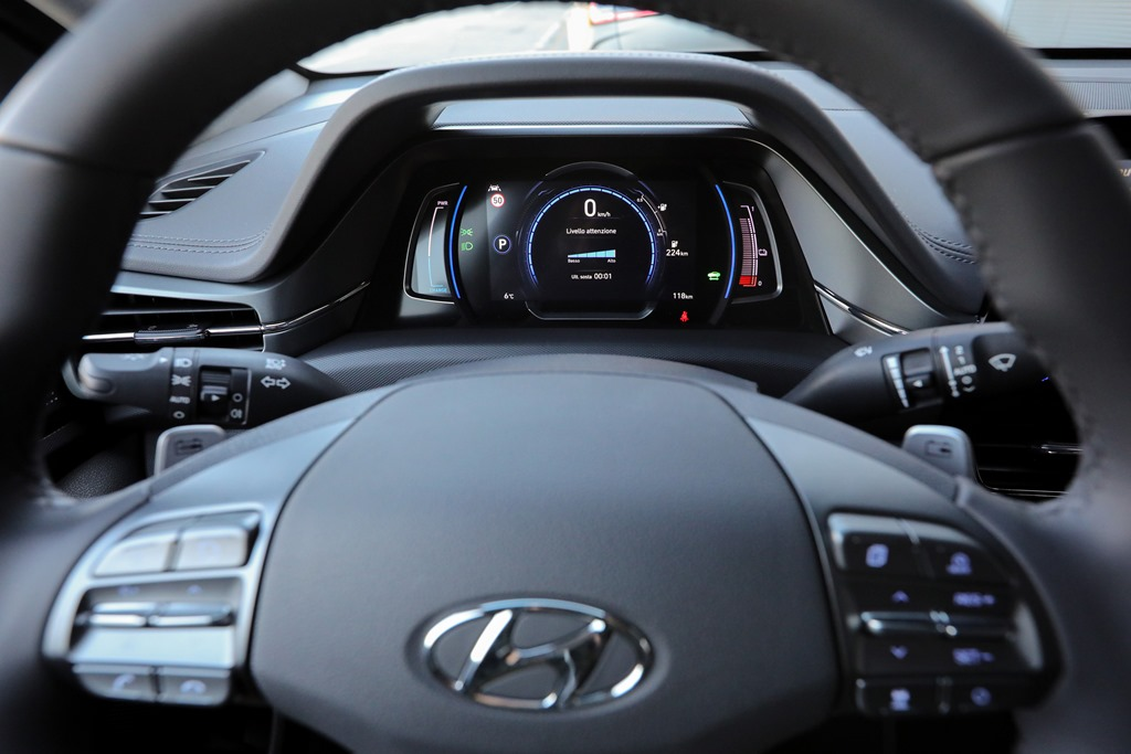 hyundai_ioniq-electric_motor_news_18