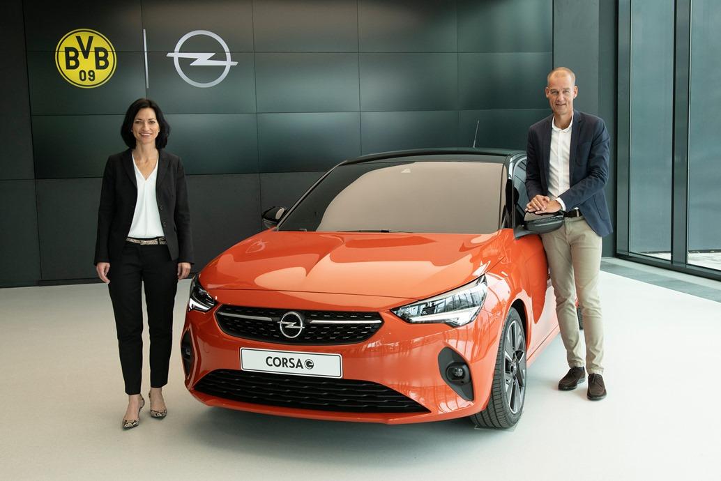Christina-Herzog-Carsten-Cramer-Opel-Corsa-e-507877
