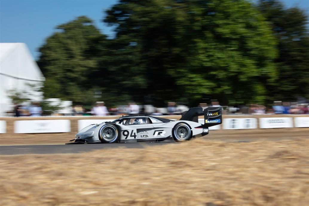 volkswagen_id_r_pikes_peak_goodwood_electric_motor_news_01