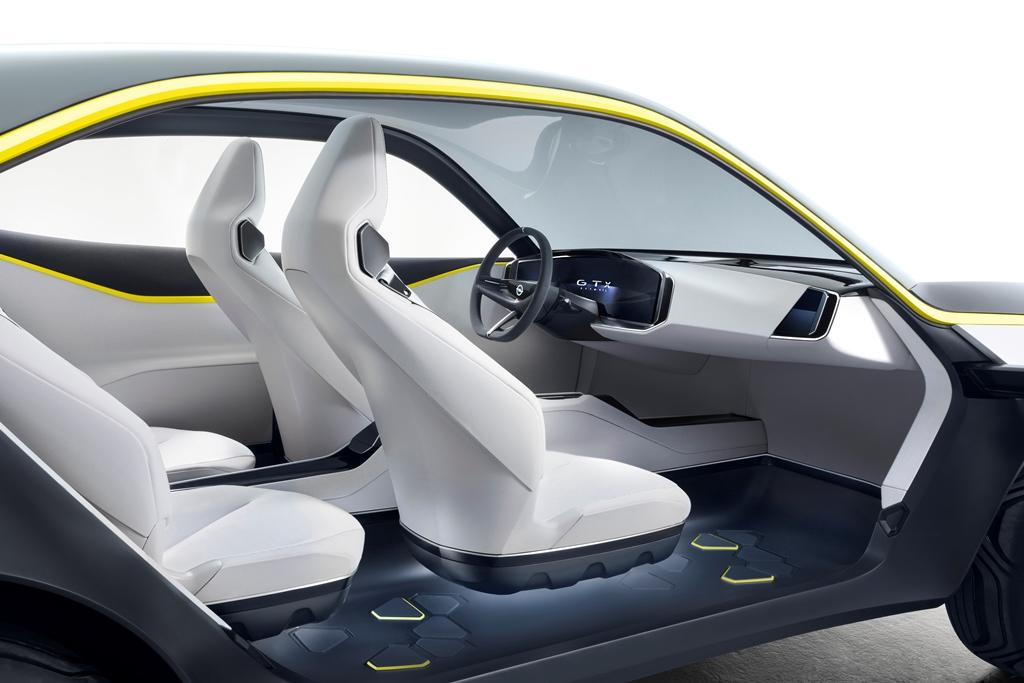 Opel_GT-X_Experimental_03