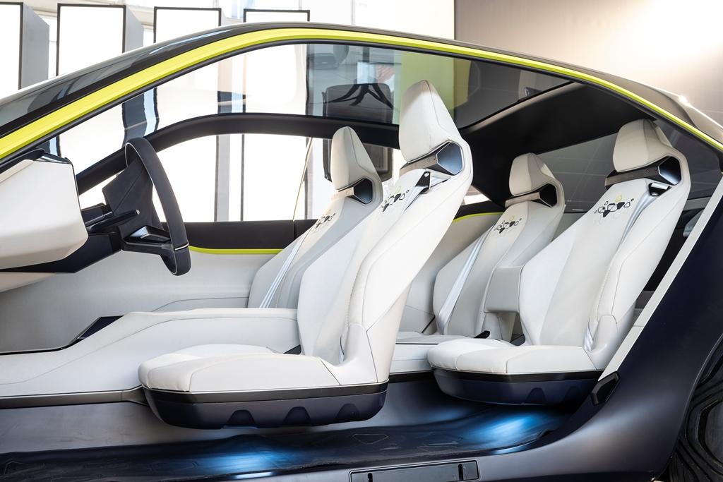 Opel_GT-X_Experimental_12