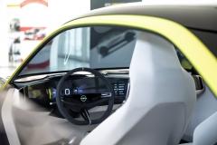 Opel_GT-X_Experimental_01
