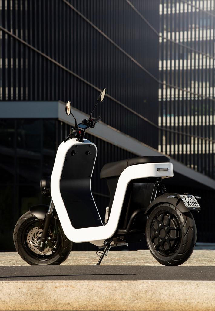 ME-Scooter-Elettrico-Milano-4