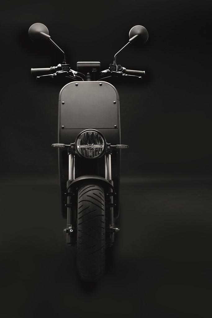 ME-Scooter-Elettrico-Studio-8