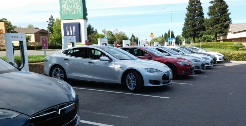 tesla-supercharger-site-in-vacaville-california-before-expansion-photo-george-parrott_100614960_l