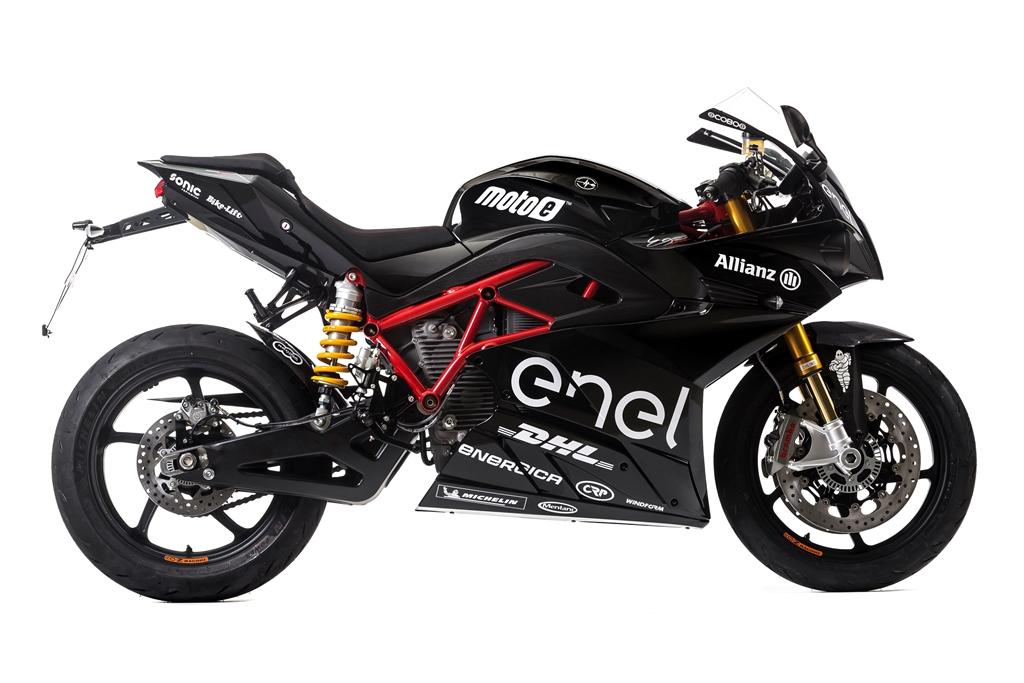 energica_ego_sport_black_electric_motor_news_01
