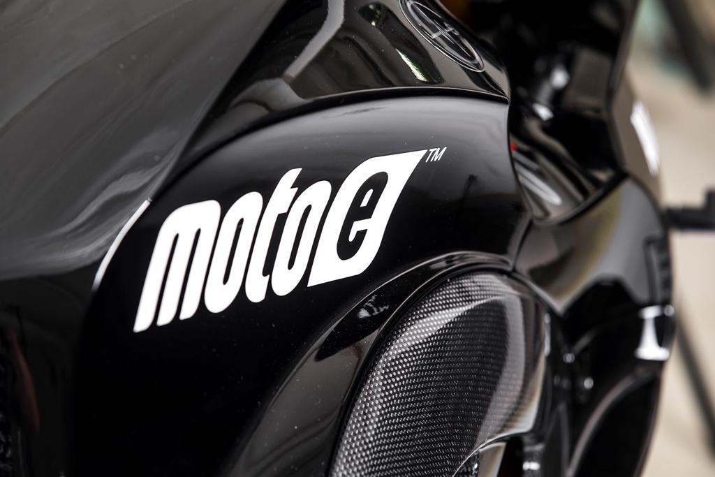 energica_ego_sport_black_electric_motor_news_05
