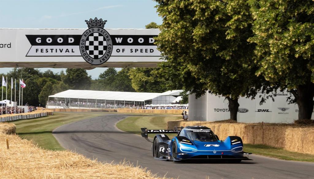 record_assoluto_goodwood_volkswagen_id-r_electric_motor_news_03