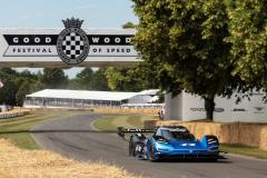 record_assoluto_goodwood_volkswagen_id-r_electric_motor_news_03