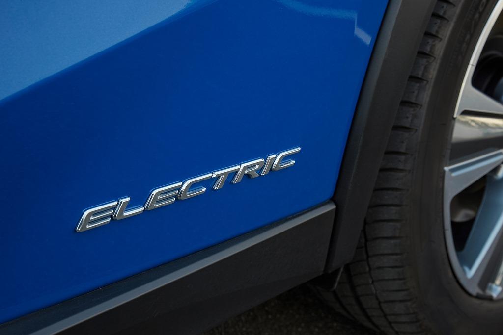 lexus_ux_300e_electric_motor_news_12