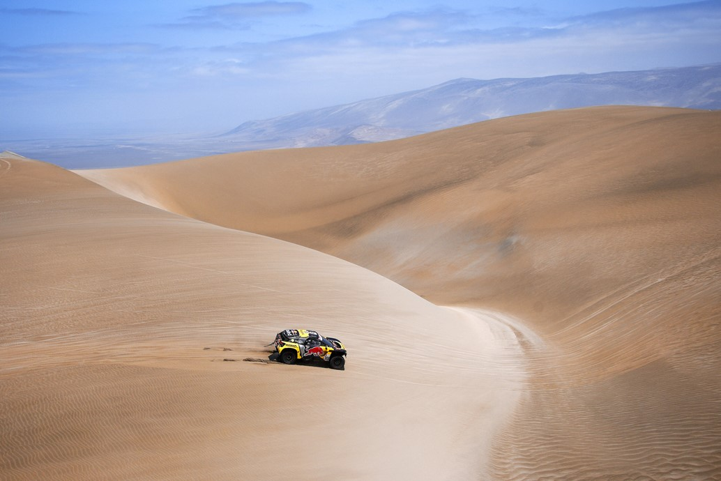 Sebastien Loeb and Daniel Elena in the Peugeot 3008 of the PH-Sport navigating in the sand during stage 6 of the Dakar Rally, between Arequipa and San Juan de Marcona, Peru, on January 13, 2019. // Eric Vargiolu / DPPI / Red Bull Content Pool // AP-1Y4A57HP52111 // Usage for editorial use only // Please go to www.redbullcontentpool.com for further information. //