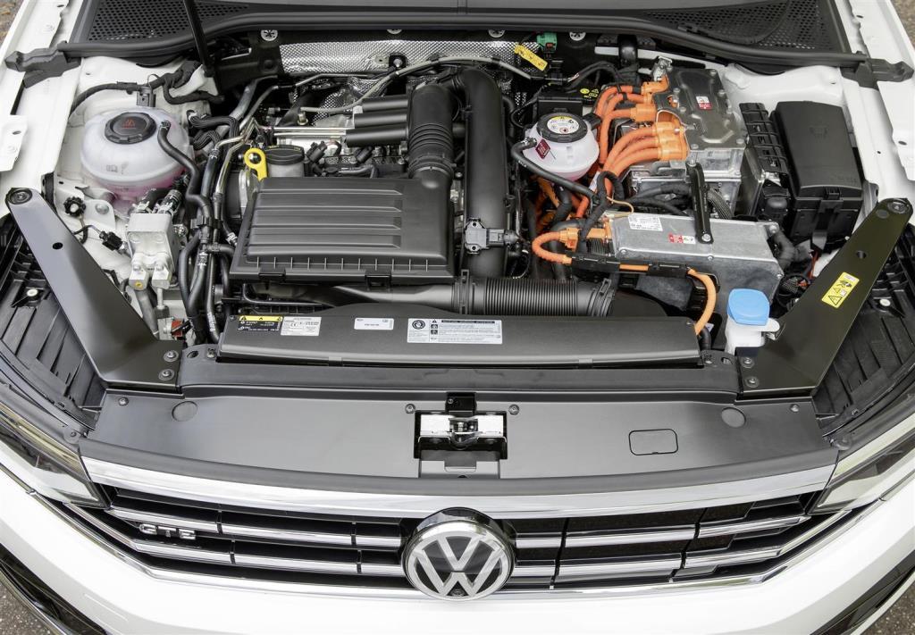 nuova_volkswagen_passat_gte_electric_motor_news_09
