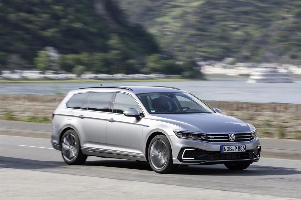 nuova_volkswagen_passat_gte_electric_motor_news_11