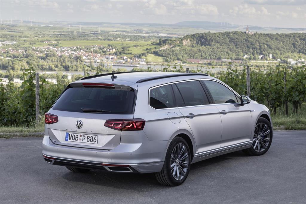 nuova_volkswagen_passat_gte_electric_motor_news_14