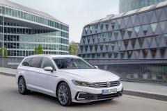 nuova_volkswagen_passat_gte_electric_motor_news_01