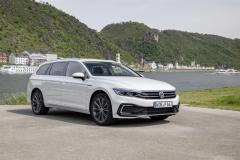 nuova_volkswagen_passat_gte_electric_motor_news_06