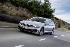 nuova_volkswagen_passat_gte_electric_motor_news_10