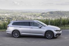 nuova_volkswagen_passat_gte_electric_motor_news_13