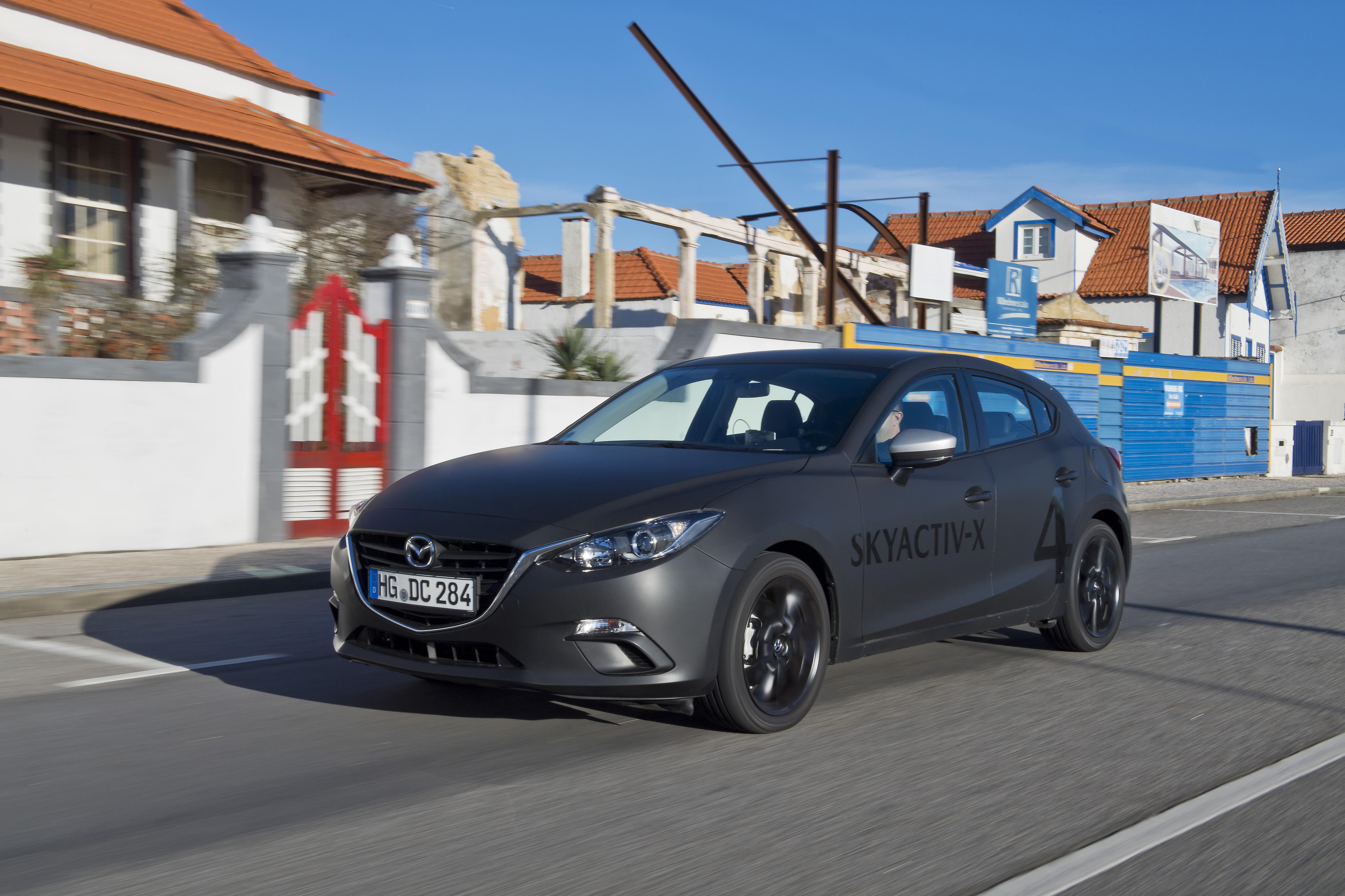 SKYACTIV-X_Porto_Driving_21_hires