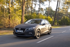 SKYACTIV-X_Porto_Driving_02_hires