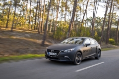 SKYACTIV-X_Porto_Driving_06_hires