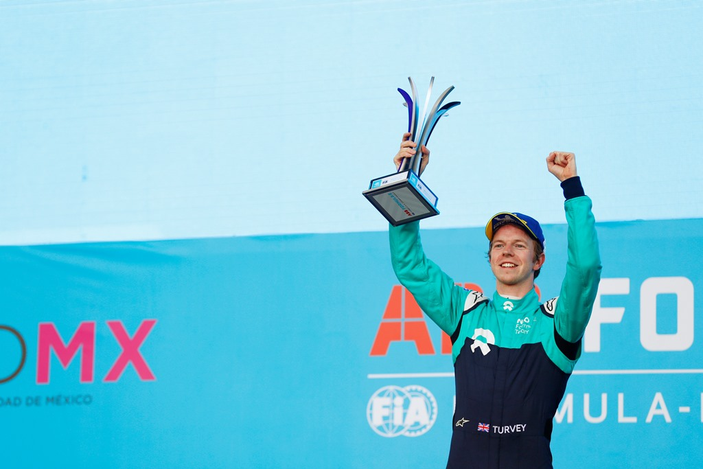 2017/2018 FIA Formula E Championship. Round 5 - Mexico City ePrix. Autodromo Hermanos Rodriguez, Mexico City, Mexico. Saturday 03 March 2018. Oliver Turvey (GBR), NIO Formula E Team, NextEV NIO Sport 003, celebrates on the podium. Photo: Sam Bloxham/LAT/Formula E ref: Digital Image _W6I3657