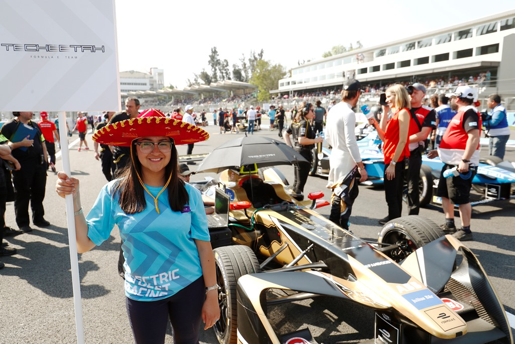 2017/2018 FIA Formula E Championship. Round 5 - Mexico City ePrix. Autodromo Hermanos Rodriguez, Mexico City, Mexico. Saturday 03 March 2018. Grid kid with the car of Jean-Eric Vergne (FRA), TECHEETAH, Renault Z.E. 17. Photo: Sam Bloxham/LAT/Formula E ref: Digital Image _W6I3117