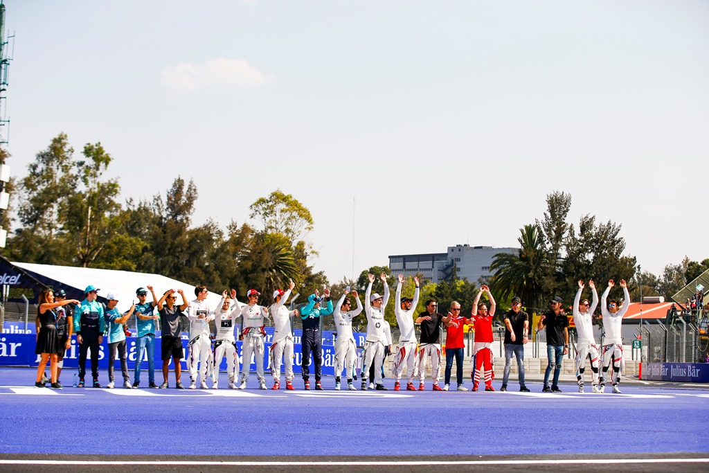 2017/2018 FIA Formula E Championship. Round 5 - Mexico City ePrix. Autodromo Hermanos Rodriguez, Mexico City, Mexico. Saturday 03 March 2018. Drivers start a mexican wave in the stadium. Photo: Sam Bloxham/LAT/Formula E ref: Digital Image _X0W0716
