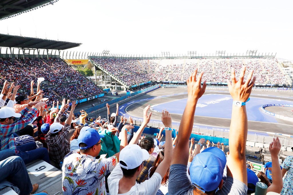 2017/2018 FIA Formula E Championship. Round 5 - Mexico City ePrix. Autodromo Hermanos Rodriguez, Mexico City, Mexico. Saturday 03 March 2018. Fans in the grandstand Photo: Sam Bloxham/LAT/Formula E ref: Digital Image _W6I3188