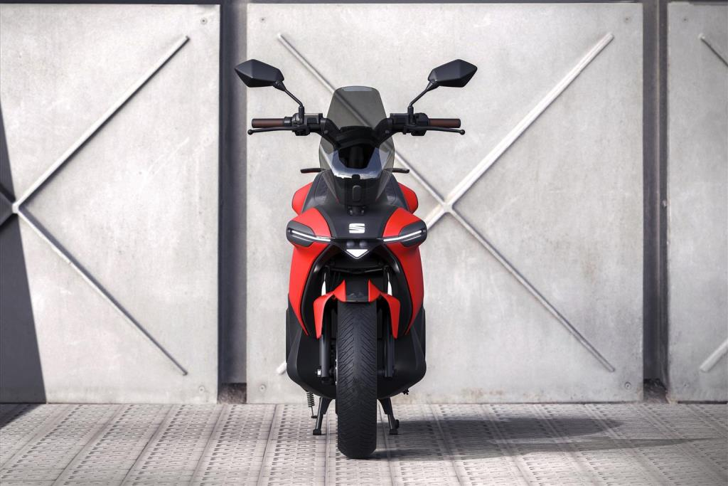seat_-e-Scooter_electric_dmotor_news_06