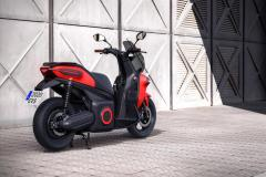 seat_-e-Scooter_electric_dmotor_news_01