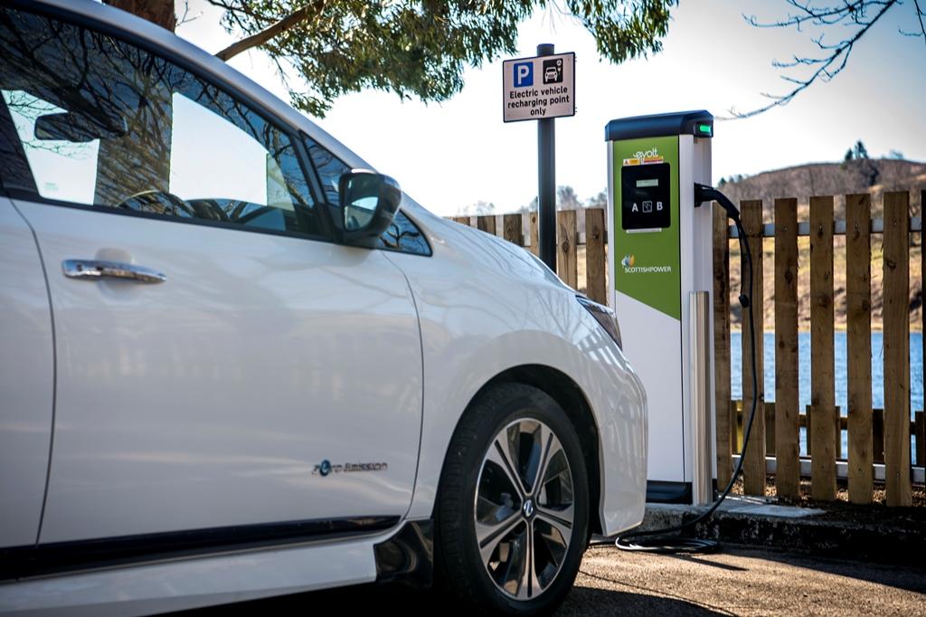nissan_leaf_charging_electric_motor_news_02