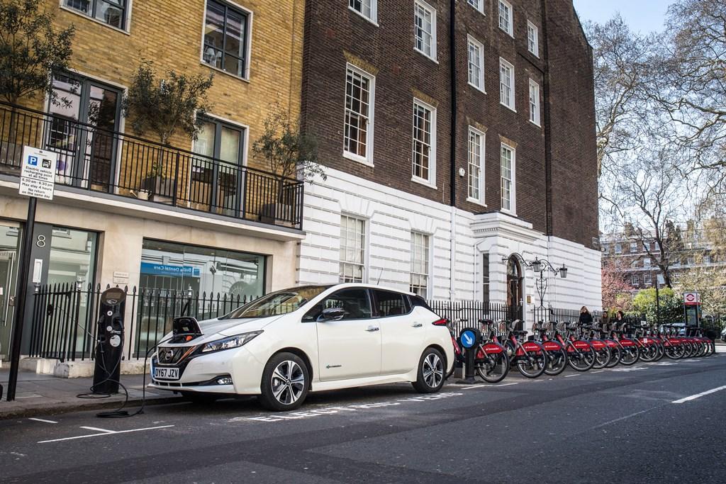 nissan_leaf_charging_electric_motor_news_08