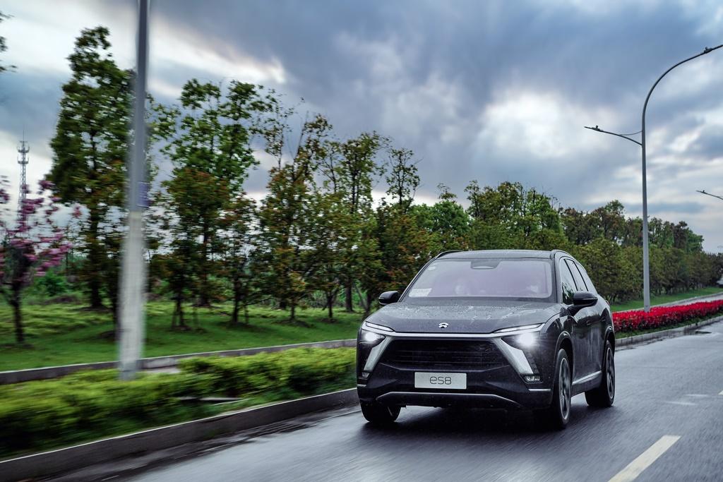 NIO-2020-ES8-drive