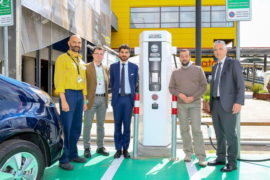 Da sinistra, Paolo Tornese, IKEA Anagnina; Alberto Celotto, IKEA Italia; Enrico Stefano, Roma Capitale; Marco Pierfranceschi, Municipio VII; Paolo Matteucci, Nissan Italia