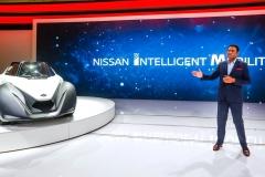 Nissan Dubai show - Photo 02-source