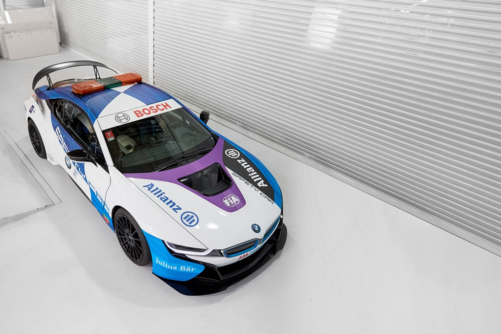 bmw_i8_coupe_safety_car_electric_motor_news_03