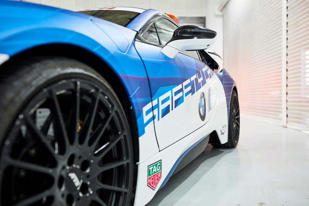 bmw_i8_coupe_safety_car_electric_motor_news_05