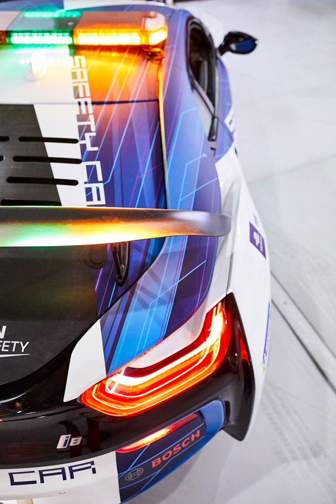 bmw_i8_coupe_safety_car_electric_motor_news_06