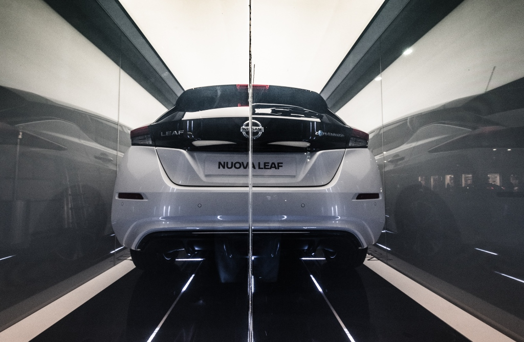 nuova_nissan_leaf_electric_motor_news_09