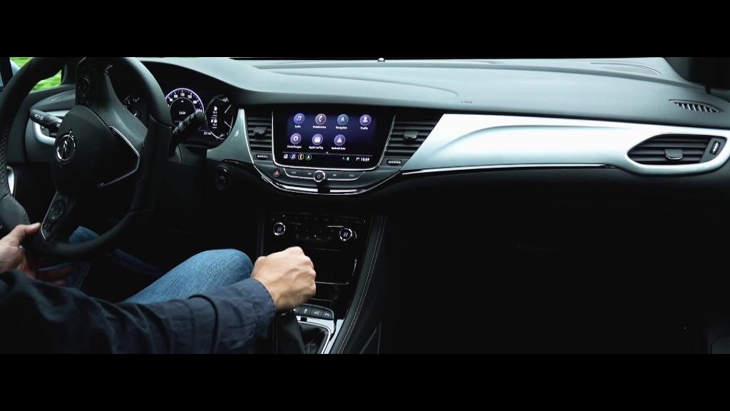 Opel-Astra-Interior-508666